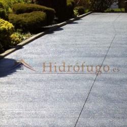 Hidrófugo incoloro especial para impermeabilizar suelos exteriores con ligero efecto mojado