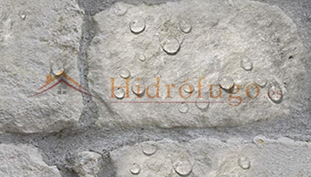 Efecto hidrófugo en pared de piedra con Nanohidrof 9s Idroless